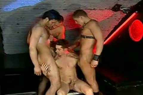 Miklos Franko drilled By A group In A Fuckclub