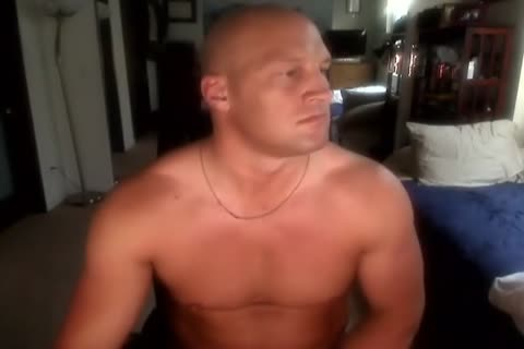 Bald Muscle chap stroking And delicious love juice shot