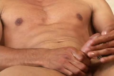 lucky Daniels beefy guy Whacking Off