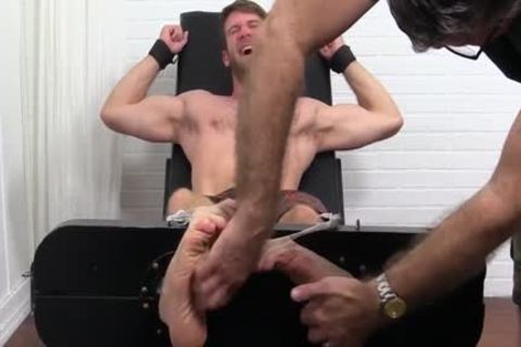 Colby Keller With A consummate Body acquires A Foot And Toe Tickle