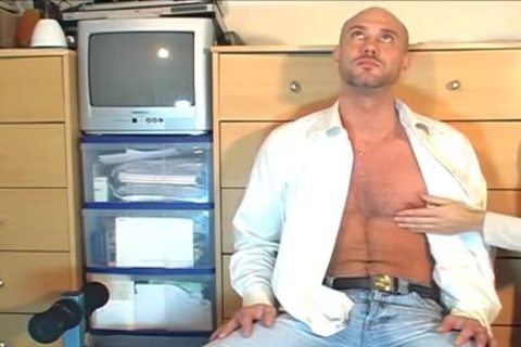 Full clip: A innocent str8 Neighbour gets Serviced His large knob By A guy!