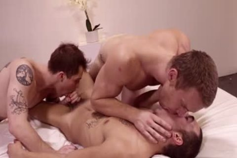 A homo Flip Flop With Facial From these jock 18 Year old Wrestling Leads To 3some Humping