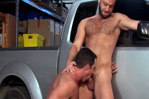 Eddy CeeTee And Nick Capra nail In The Garage