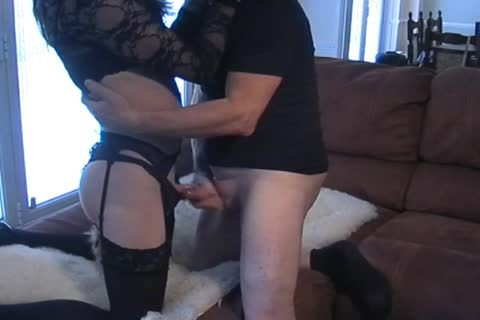 Petgirl Crossdresser pounded By older taskmaster
