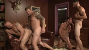 Trying Out The Goods - Tommy Defendi & John Magnum anal Hump