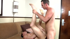 Buzz - Devin Adams and Luca Rosso sadomasochism Hook up