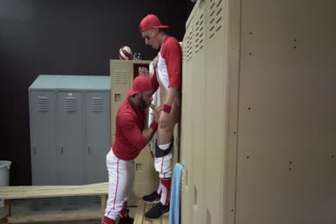 Locker Room nailing - Tristan Hunter And Eddy Ceetee