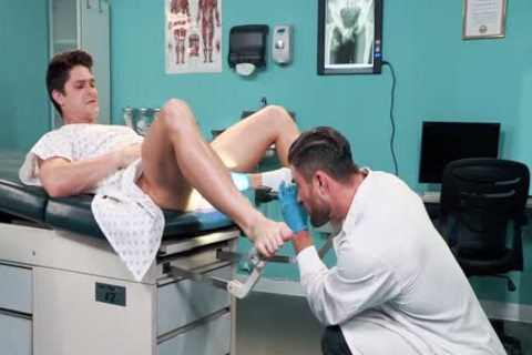 immodest Doctor Ryan Rose And Devin Franco