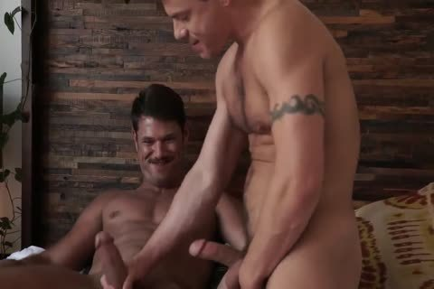 Jesse Santana bonks His ally Tyler Roberts in nature's garb