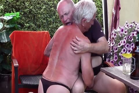 Games In pantyhose & Pissing Off jointly In The Garden