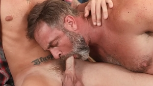 IconMale: DILF Kristofer Weston show huge dick