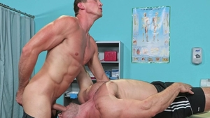 HotHouse - Hairy Pierce Paris and Derek Bolt 69 on the table