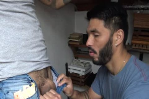 Latin Stranger receives specie In Exchange To His Tattoed arse