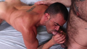 Men Over 30 - Bear Musclebear Montreal nailed by Damien Crosse